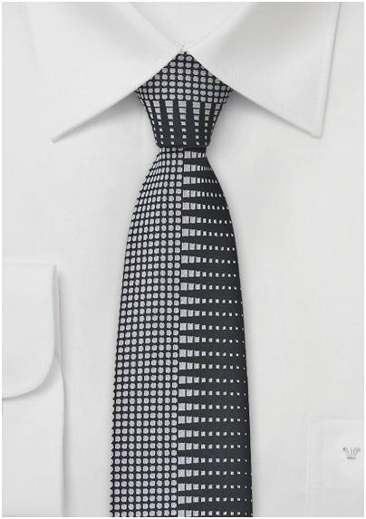 Retro Patterned Skinny Tie in Black