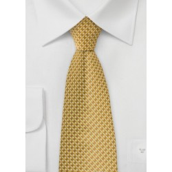 Geometric Tie in Golds