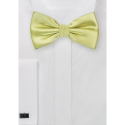 Light Pear Green Bow Tie