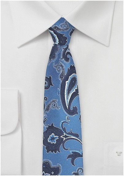 Trendy Paisley Tie in Blue and Navy
