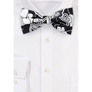 Bandana Flora Paisley Bow Tie in Black and White