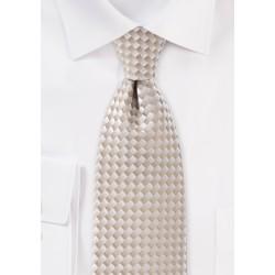 Monochromatic Tie in Champagnes